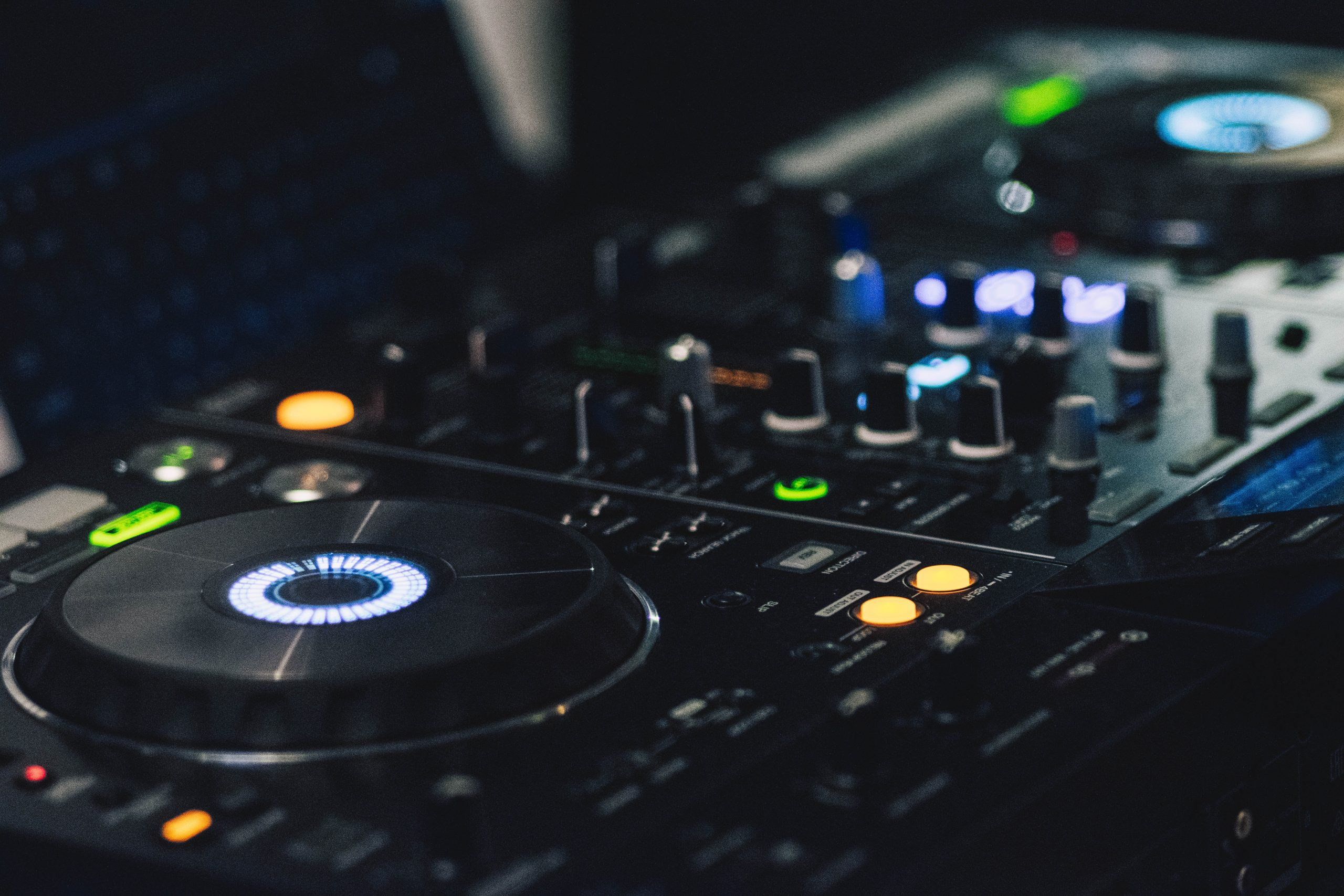 shallow-focus-photography-of-dj-controller-323687